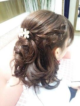 結婚式 髪型 編み込みヘアアレンジ ハーフアップ+編み込み
