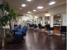 ティーズ ボーン 新橋店の雰囲気(広々とした美容ブースはごゆっくりとおくつろぎ頂けます。)