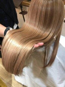 ヴォヤージュ(VOYAGE)の写真/【人気沸騰中・サイエンスアクア先行導入】カラーやパーマで傷んでしまった髪もしっかりケアで触り心地◎