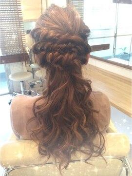 ダウンスタイル ヘアアレンジ(結婚式髪型) ポニーテール風ダウン