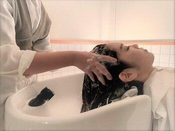 ラパンセベージュ(LA PENSEE BEIGE)の写真/ヘッドスパ専用フロア有り!!絶妙なマッサージで乾燥や頭皮のケアだけでなく心も癒される極上の体験を☆