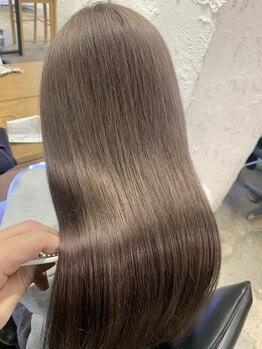 """エム(EM)の写真/髪質改善トリートメントで毎朝のスタイリングも楽々♪髪をかき上げたくなる""""サラ艶髪""""へ☆ブリーチ毛にも◎"""