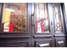 ガランテ(Galante)の雰囲気(アンティーク&ラグジュアリーな店内☆【原宿 表参道 神宮前 】)