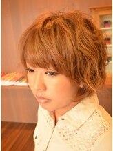 ヘアーズアンブル(hair's Amble)クセ毛を生かしたパーマ風ショートスタイル