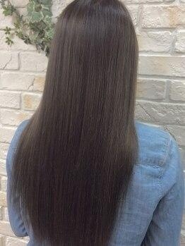 ミックリンク 横須賀中央店(mic link)の写真/【髪質改善☆湿気対策】うねり知らずの艶髪へ…!顔周りのくせ毛や、カラーの痛みでお悩みの方にも◎