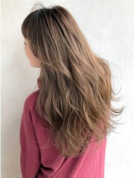 ファースト 山形店(first)の写真/Aujuaトリートメントで憧れのうるツヤ美髪に♪あなたの髪のダメージレベルに合わせた提案&施術が自慢です◎