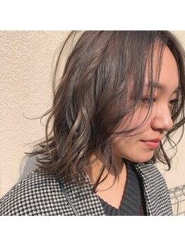 サラームツジ(SALLAM TSUJI)の写真/【オトナ女子の髪の悩み】幅広い世代の女性スタイリスト在籍中◎女性同士だから相談できるしわかってくれる
