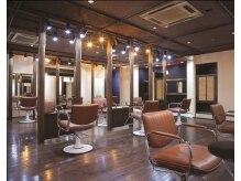 ヘアープレイス ダブリュー 古川橋店(HAIR PLACE W)の雰囲気(店内は、お客様を日常の喧騒から解き放つ癒しの空間です。)