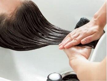 ヘアーアンドフェイスアリス(HAIR&FACE alice)の写真/ヘアケアアドバイスで髪が扱い易くなるトリートメントをお選びしま☆髪のキレイが手に入る・・・*