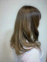 ヘアメイク スコア(Hair Make S CORE)毛先の透け感がポイント モノトーンカラー