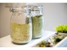 グラニーコ(grannyCo)の雰囲気(天然100%ヘナなどこだわりの薬剤を取り揃えております。)