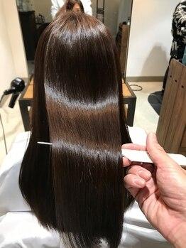 コメル(comeLe)の写真/話題の酸熱トリートメントでダメージを修復しながら癖やうねりを改善!理想の髪質に仕上げます◎