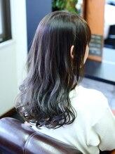 ヘアメイク リザ(hair make Liza)毛先ブリーチ&カール