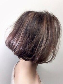 エルロード 渋谷店(ELRHODES)の写真/【白髪もハイトーンで明るく楽しめる最新カラー剤を導入】白髪を活かして、自然なお洒落を演出。