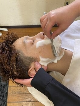 サンカリ 平形店(SANKARI)の写真/第一印象が決まる大切な「ひげ・眉」はプロにお任せください☆理容室ならではのメニューで、更なる輝きを―