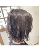 リリー ヘアーデザイン(Lilly hair design)【王道可愛い】ぱつっとボブ×【透明感抜群】ラベージュ