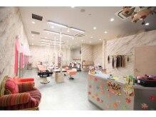 セレクト モラージュ菖蒲店(SELECT)の雰囲気(通りからみても目立ち、皆さん足をとめて見てくれます)