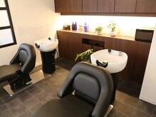 美容室 スージー 草加松原(Suzy)の雰囲気(足を伸ばせるシャンプー台で、癒しのひとときを体感…♪)