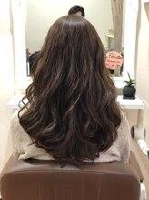 アウラ(AULA)美髪ふわっとロング