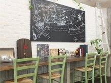 トルチェ(toRtue)の雰囲気(可愛い小物オブジェがいっぱい☆180cmもある黒板です♪)