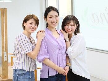 アイナ 浅草美容院(Aina)の写真/笑顔の素敵なスタイリストがお出迎え☆同性ならではの視点で1人1人に似合うベストスタイルを提案致します♪
