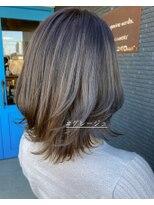 ヘアアンドビューティー クローバー(Hair&Beauty Clover)グレージュ