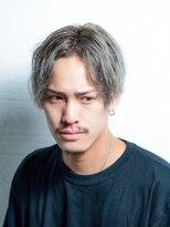 インシ(h&m insi)insi松永☆グラデーションホワイトアッシュ×スパイラルパーマ
