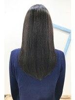 ソフトヘアカッターズ(soft HAIR CUTTERS)暗髪ロングも透明感で大人かわいい_ナチュラルストレート