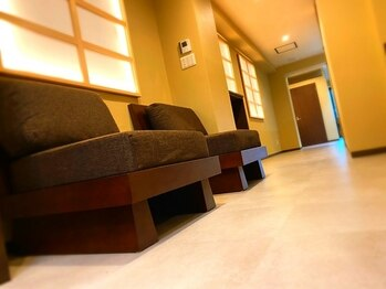 ゼン(Zen.)の写真/【完全個室】店内はこだわりぬかれたインテリアでお客様のサロンタイムを極上なものに。