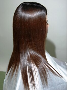 フルール(Fleur)の写真/ハイダメージの方に◎【キラ髪弱酸性縮毛】でしっとり毛先までツルっ♪さらに炭酸ミストをプラスすると…?