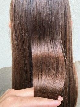 ヘア デザイン ギタ(HAIR DESIGN GHITA)の写真/最高の手触り・ツヤ感を生み出す髪質改善トリートメント「FLOWDIA」導入サロン!カラーとの相性抜群◎