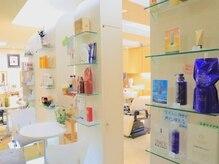 路美容室の雰囲気(あなたの毎日の美髪のために厳選したヘアケア用品を揃えています)