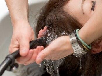 ファウンジ オブ ヘアー(fange of hair)の写真/なかなか落ちない皮脂や汚れをスッキリ!生まれたてのようなサラツヤ髪へ☆【炭酸ヘッドスパ¥3150】