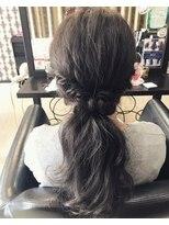 ヘアデザイン ダブル(hair design Double)ローポニーテール