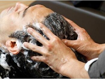 バーバーバー 八広(BARBER-BAR)の写真/業界最新ヘッドスパ[高濃度炭酸クレンジング+頭筋膜リリース]髪と頭皮の健康状態は極上のスパでKEEP!