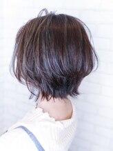 オーストヘアー リュウール(Aust hair Lueur)【極細ハイライト】ラベンダーアッシュ×大人ショートボブウルフ