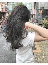 オースト ヘアー ステラ 新宿店(Aust hair Stella)【Aust】.暗髪、ダークグレー【ハイライトカラー】ヨシンモリ