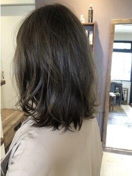クウキ (kuuki)の写真/【浅間町】歳を重ねるごとに素敵なスタイルが叶う《kuuki》髪質に合わせナチュラルで上品な髪色をご提案!