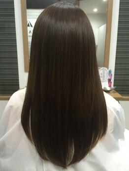 アルヴァ ルーチェ(ALVA luce)の写真/縮毛×AujuaTR×電子TRで、驚くほど見間違える美髪に♪口コミで高評価を得てきたオーナーの高技術もすごい!