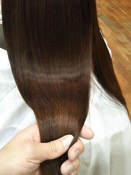 キッサ(KISSA)の写真/髪のパサつきや広がりでお悩みの方必見!こだわりのトリートメントで思わず触りたくなるうるツヤ髪へ。