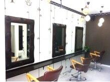 ライフスタイルヘア 菊住店(Life Style hair)の雰囲気(アジアンテイスト溢れる店内。カットスペースは3席あり♪)
