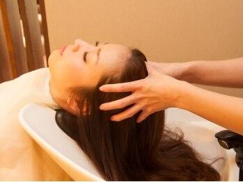 ヘアメイクリレイション (hair make Relation)の写真/≪汗をかいたらヘッドスパでスッキリ♪≫髪に必要な油分と水分のバランスを整え、頭皮環境から髪質改善!