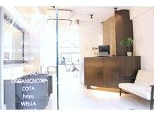 フェリシータ 岡本店(felicita)の雰囲気(リニューアルオープン☆白を基調とした明るい雰囲気の店内♪)