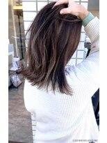 フローレス バイ ヘッドライト 三鷹店(hair flores by HEADLIGHT)スプリングハイライトカラー 切りっぱなし外はねロブ