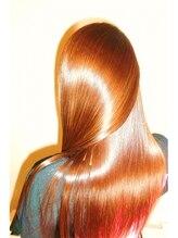 思わずふれたくなるような美髪になれるACTSS。美髪になるその秘密とは・・