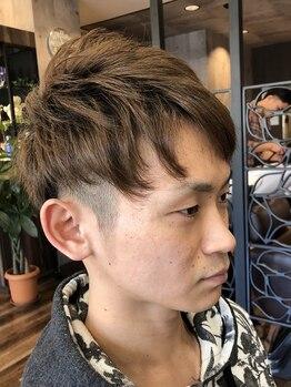 ヘアーステーショントップ(hair station TOP)の写真/コンテスト出場経験有!奇抜なスタイル提案も出来る、実力派スタイリスト在籍◎あなたのこだわりも表現!
