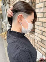 【roijir 山岸】スキンフェード女子 刈り上げ女子 内巻きボブ