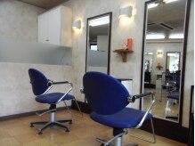 サロン ド インジオ(Salon de inzio)の雰囲気(カジュアルで入店しやすい空間です♪)
