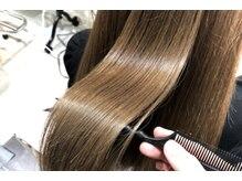 アロマの香りと大人の落ち着いたリラックス空間。頭皮・髪に優しいオーガニックカラー取扱サロン