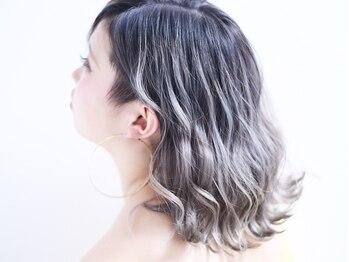 ニコリヘアワークス(nicori hair works)の写真/イルミナカラー・アディクシー・スロウカラーなどのトレンドカラーを採用♪透き通る色でお肌にも透明感を+
